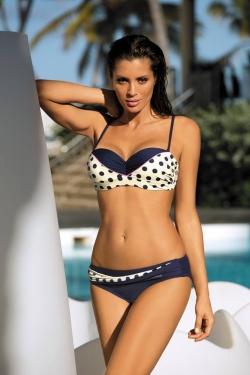 c1a67728f46366 Najczęściej kupowanym kostiumem kąpielowym tego sezonu jest zdecydowanie  monokini. Decydują się na niego zarówno Panie z niedoskonałościami w  okolicy ...